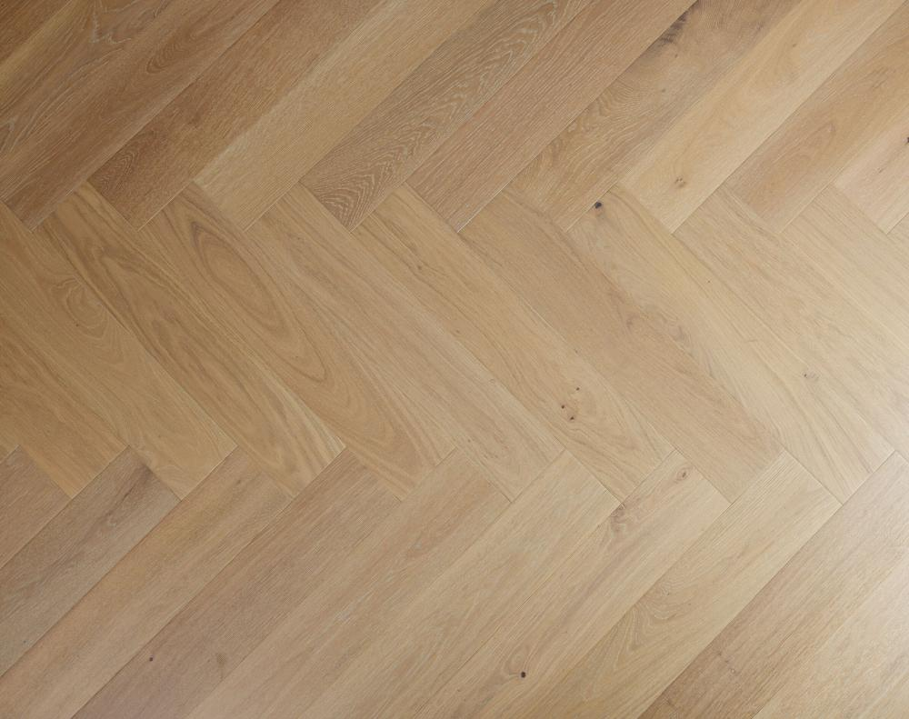 Engineered Oak Select Grade Ice White Oiled